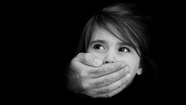 abuz copii