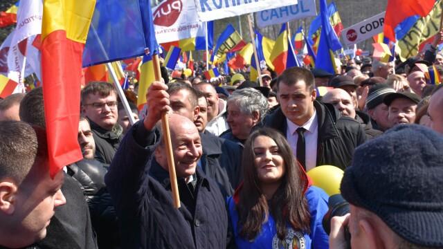 Manifestația din R. Moldova, încheiată cu adoptarea unei proclamații privind unirea cu România