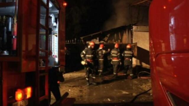 Incendiu la un post de poliție din Alba. Agentul şi soţia lui erau înăuntru