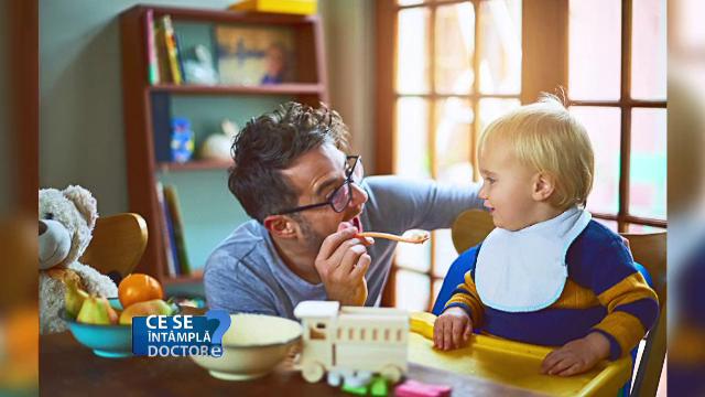 Refuzul copiilor de a mânca este legat de axietatea părinților. Recomandarea specialiștilor