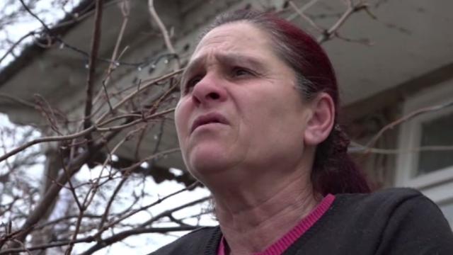 Tânără de 22 de ani, din Vaslui, înjunghiată mortal de iubitul cu care are 4 copii