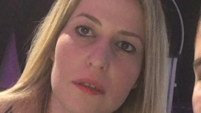 O femeie a căzut din avion