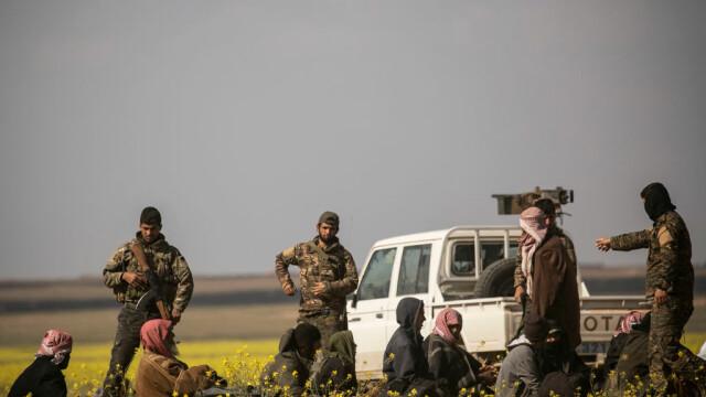 Ultimii jihadişti ISIS, printre care copii şi invalizi, dau bătălia finală. GALERIE FOTO - Imaginea 4