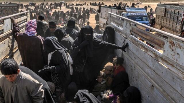 Ultimii jihadişti ISIS, printre care copii şi invalizi, dau bătălia finală. GALERIE FOTO - Imaginea 5