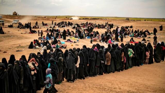 Ultimii jihadişti ISIS, printre care copii şi invalizi, dau bătălia finală. GALERIE FOTO - Imaginea 8