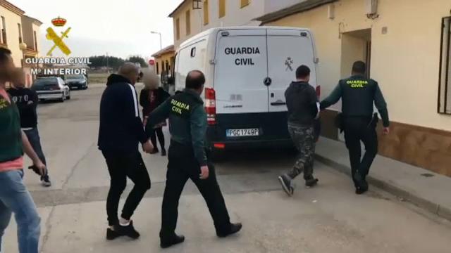 Interlopii români au îngrozit Spania cu tehnici jihadiste. La ce foloseau