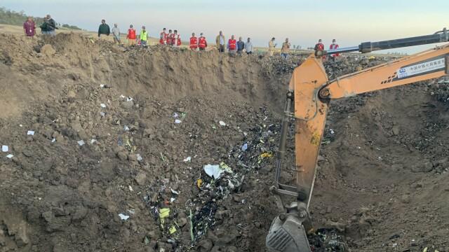 Martor: Înainte să se izbească de pământ, din avion ieșea fum și se auzea un zgomot ciudat - Imaginea 6