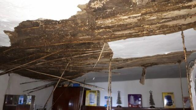 Incendiu la o casă din Arad. O persoană a murit, iar alte două au fost rănite. FOTO - Imaginea 1