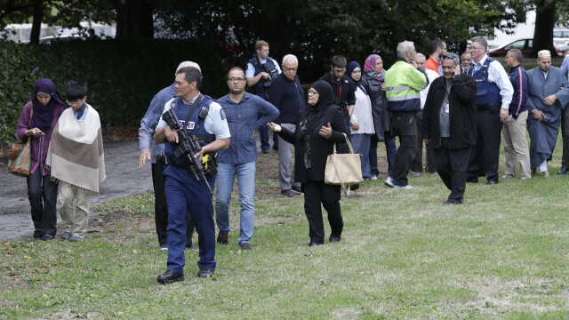 Atac armat în Noua Zeelandă, la două moschei: 49 morți. Noi operațiuni ale poliției - Imaginea 5