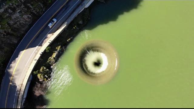 Fenomen spectaculos în California. Ce a apărut într-un lac după o ploaie abundentă
