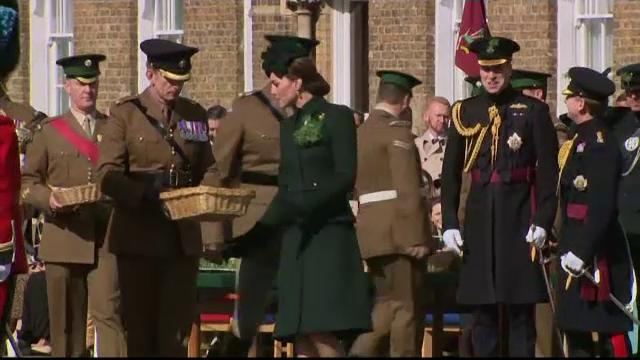 Ducii de Cambridge l-au sărbătorit pe Sfântul Patrick cu Batalionul irlandez de gardă