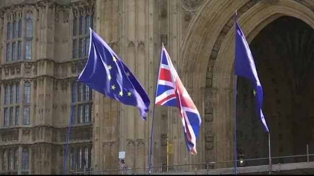 Analiști financiari: Marea Britanie va intra în recesiune în cazul unui Brexit fără acord
