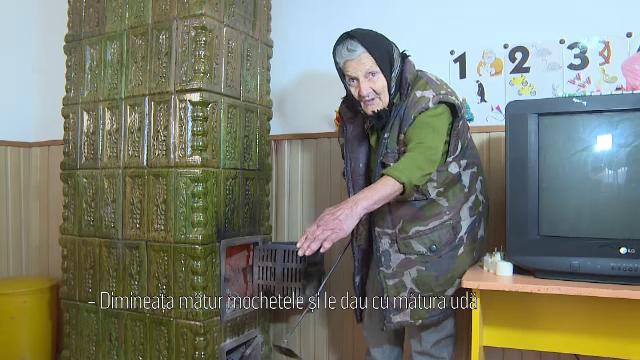 Bătrâna care lucra la 83 ani la o grădiniță a fost concediată, după ce a apărut la TV - Imaginea 3
