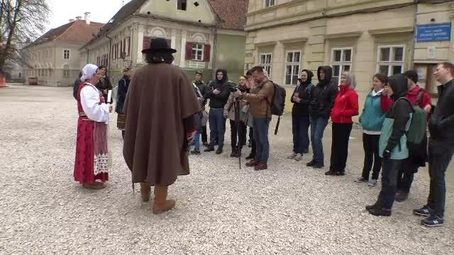 Tururi istorice în Brașov și Sighișoara pentru 100 de euro. Ce primesc turiștii la schimb