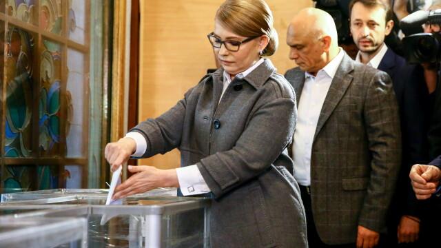 Alegeri prezidențiale în Ucraina. Un actor fără experiență politică a câștigat prima rundă - Imaginea 4
