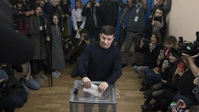 Alegeri prezidențiale în Ucraina. Un actor fără experiență politică a câștigat prima rundă - Imaginea 6