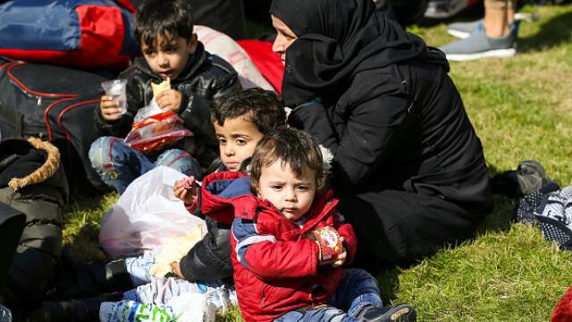 """Erdogan ameninţă UE cu """"milioane"""" de migranţi. Grecia solicită sprijin rapid - Imaginea 9"""