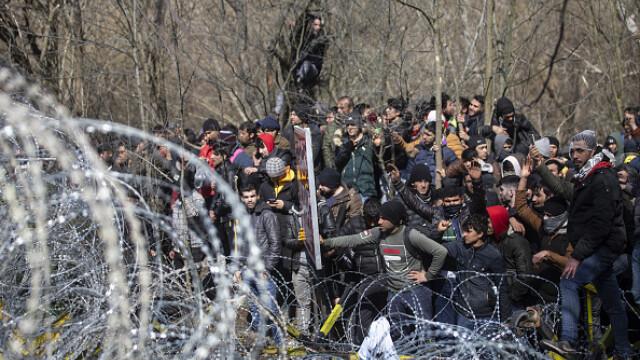 """Erdogan ameninţă UE cu """"milioane"""" de migranţi. Grecia solicită sprijin rapid - Imaginea 3"""
