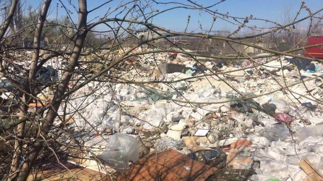 Nou episod de poluare în București. Au ars gunoaie depozitate ilegal - Imaginea 3