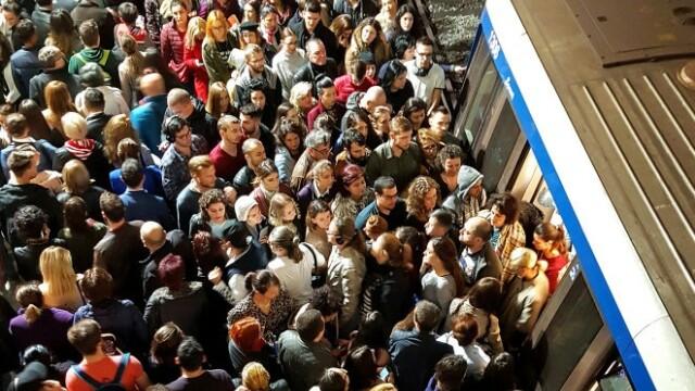 Noi probleme la metrou. Traficul, îngreunat timp de 40 de minute pe Magistrala 3