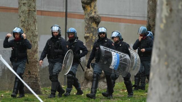 Revolte în închisorile din Italia din cauza coronavirusului: gardieni luați ostatici și 6 morți - Imaginea 3