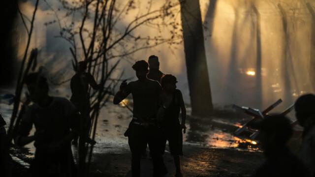 UE oferă câte 2.000 de euro migranților din grecia pentru a se întoarce acasă