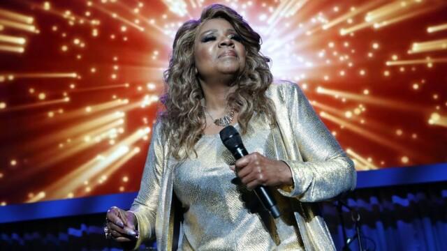 """Gloria Gaynor cântă """"I Will Survive"""" într-un clip în care se spală pe mâini 20 de secunde"""