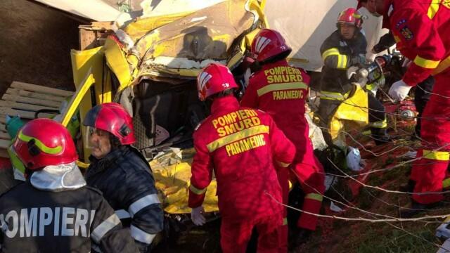 Accident grav în localitatea Popești. Patru persoane rănite - Imaginea 6