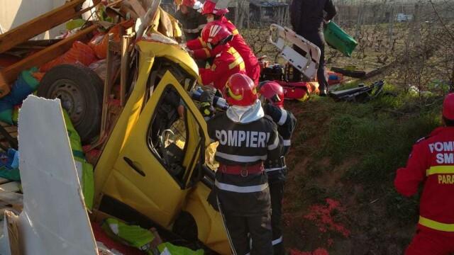 Accident grav în localitatea Popești. Patru persoane rănite - Imaginea 2