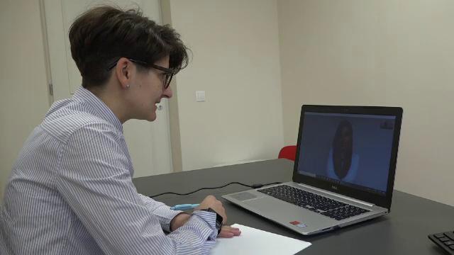 Psihologii îi ajută pe medicii din spitale, în această perioadă grea, cu ajutorul internetului