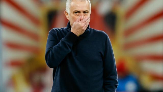 Jose Mourinho a distribuit pachete cu alimente persoanelor vârstnice din Londra