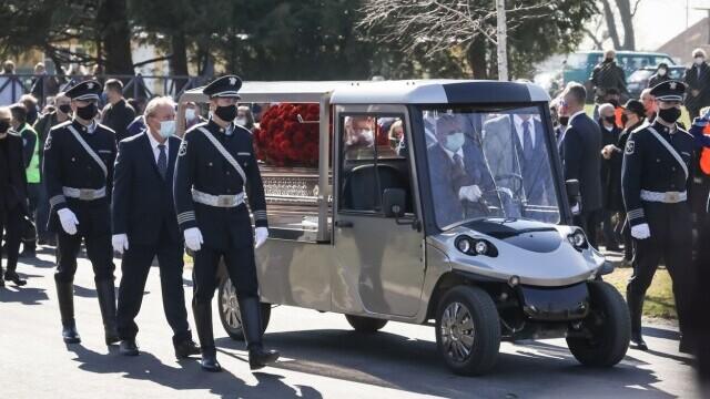 Mii de persoane au participat la funeraliile primarului Zagrebului - 1
