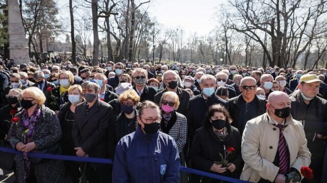 Mii de persoane au participat la funeraliile primarului Zagrebului - 4