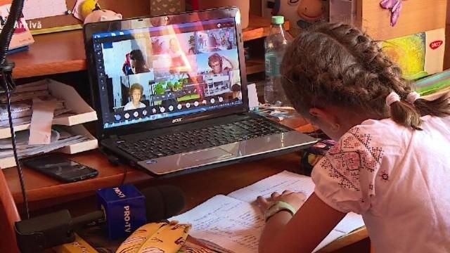 Se înmulțesc școlile care trec în sistemul online. Cum comentează situația ministrul Educației