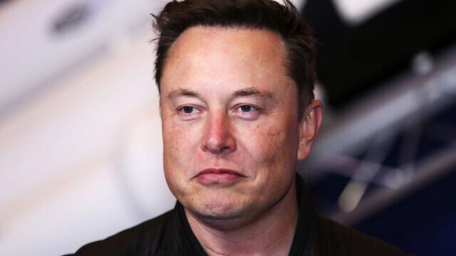Ce mașină conduce Elon Musk. Vehiculul la volanul căruia a fost văzut recent. FOTO