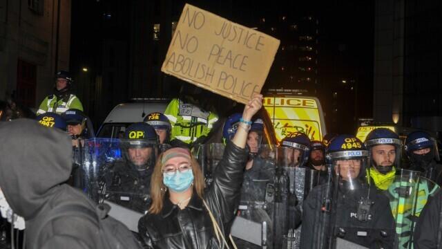 Manifestații violente în Bristol