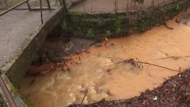 Minele închise care îmbibă apele și solul cu otrăvuri, în Maramureș. Râurile sunt roșii și nicio legumă nu crește