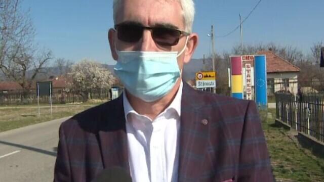 Primarul le-a tăiat salariile angajaților la Primăria din Stănești. Ce sumă vrea să recupereze la buget