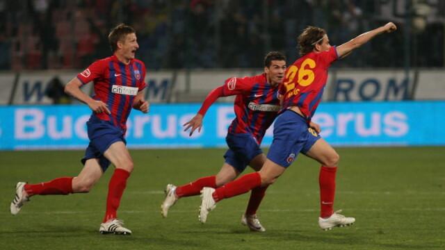 Derbiul Steaua-Dinamo - plictiseala pe teren, mare agitatie in tribune - Imaginea 8
