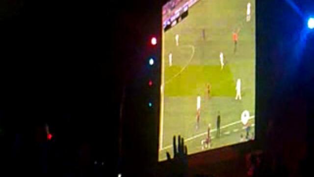 Delir pe strazile din Barcelona! Romanii din Spania au tinut cu Messi! - Imaginea 5