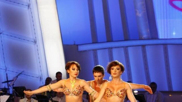 Cheeky Girls si Darius la Dansez pentru tine