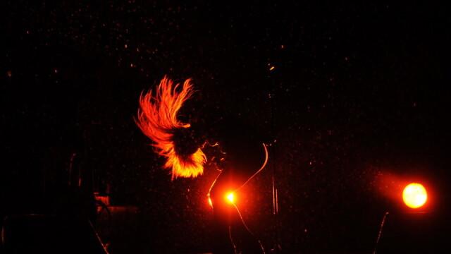 Pe tunete, fulgere si ploaie torentiala, Shakira a dansat in sutien - Imaginea 6