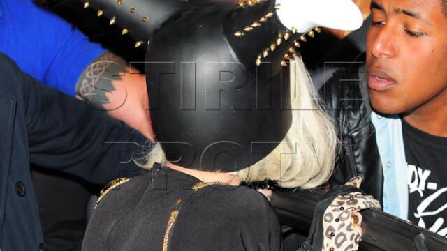 Ghici ce are Lady GaGa pe cap. FOTO - Imaginea 3