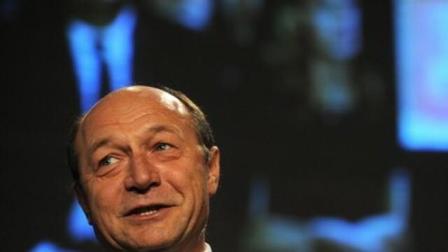 Basescu da replica in instanta, intr-un proces legat de drogurile usoare