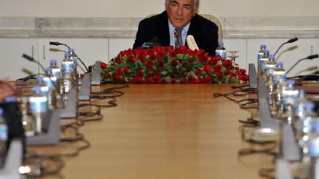 Viata fabuloasa a lui Dominique Strauss-Kahn, inainte de a fi arestat - Imaginea 2