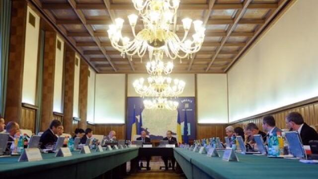 Umbla zvon de remaniere guvernamentala. Emil Boc face vizite prin Parlament