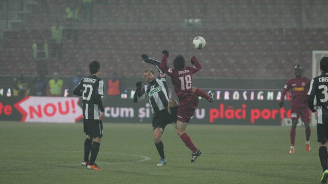 Meciul U Cluj - CFR Cluj, intrerupt de violente in min. 27. Partida nu a mai fost reluata