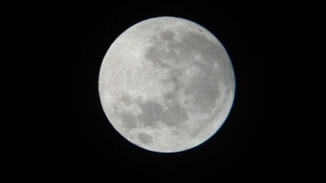 Super-luna in imagini. Cele mai spectaculoase fotografii realizate in momentul de apropiere maxima - Imaginea 4