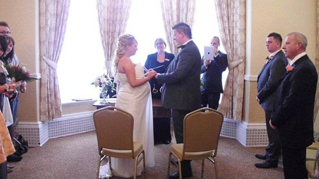 Nunta lor a fost, cu siguranta, unica. O mireasa a nascut dupa ce a spus DA si a ajuns si la nunta - Imaginea 3