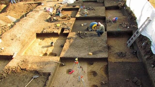 arheologi, sapaturi, ruine